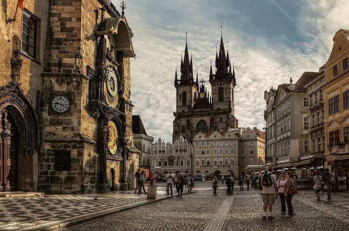 prague___old_town_square_by_pingallery_d4nvdd9_1.jpg